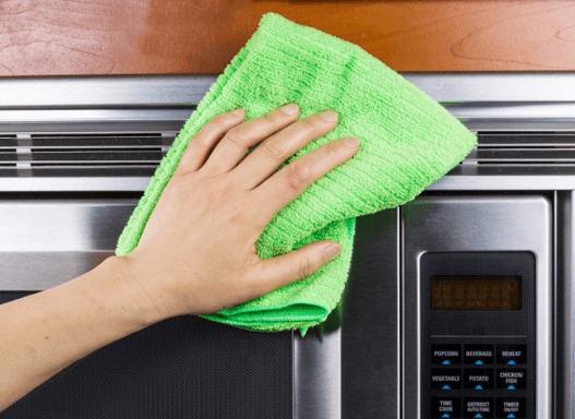 تنظيف الاجهزه الكهربيه